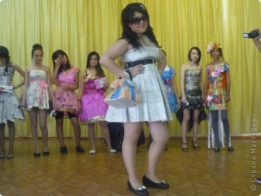 """В нашей школе было проведено внеклассное мероприятие по технологии: """"Театр моды из нетрадиционных материалов"""" фото 15"""