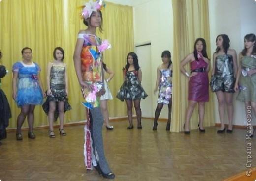 """В нашей школе было проведено внеклассное мероприятие по технологии: """"Театр моды из нетрадиционных материалов"""" фото 20"""