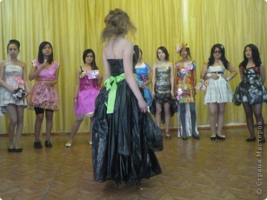 """В нашей школе было проведено внеклассное мероприятие по технологии: """"Театр моды из нетрадиционных материалов"""" фото 30"""