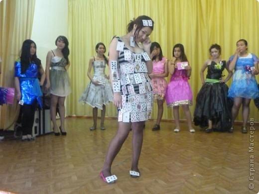 """В нашей школе было проведено внеклассное мероприятие по технологии: """"Театр моды из нетрадиционных материалов"""" фото 34"""