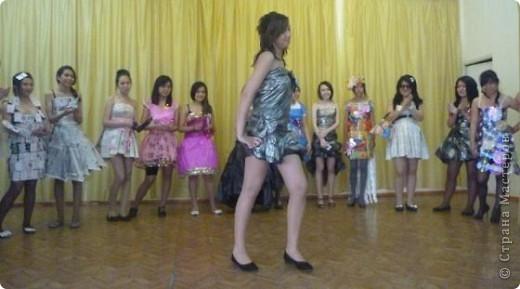"""В нашей школе было проведено внеклассное мероприятие по технологии: """"Театр моды из нетрадиционных материалов"""" фото 7"""