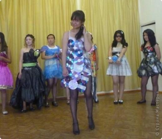 """В нашей школе было проведено внеклассное мероприятие по технологии: """"Театр моды из нетрадиционных материалов"""" фото 9"""