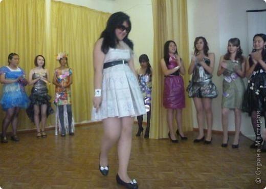 """В нашей школе было проведено внеклассное мероприятие по технологии: """"Театр моды из нетрадиционных материалов"""" фото 16"""