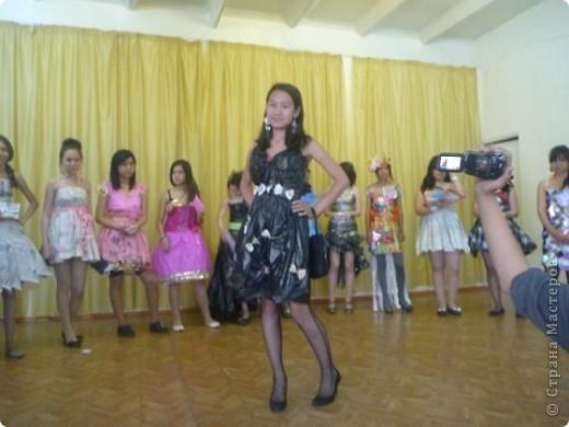 """В нашей школе было проведено внеклассное мероприятие по технологии: """"Театр моды из нетрадиционных материалов"""" фото 11"""