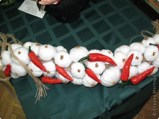 Нашла фотографии с очередной выставки, которая проходила в г. Краснодаре. Решила показать... Эта икона вышита ребятами на уроках по бисероплетению.  фото 5