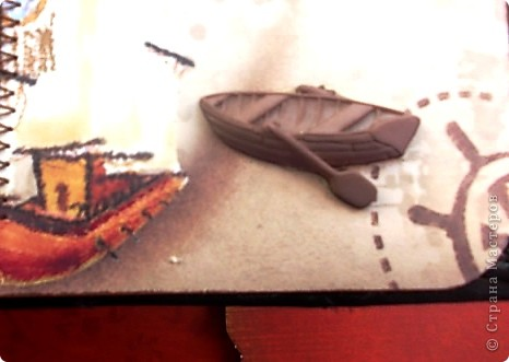 Альбом 19 на 19 см. Обложка - искусственная кожа, отделан золотистой лентой зиг-заг, металлическими подвесками, вырубная рамочка, застегивается на магнит. фото 30