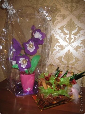 Захотелось сделать орхидею с конфетками,вот что получилось,может не очень удачно для первого раза!Выставляю на ваш суд! фото 3