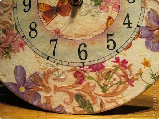 Задумывала сделать часы совсем по-другому, но в процессе работы они повели себя совсем непредсказуемо....... Да и в процессе фотосъемки совершенно не собираются отражать реальный цвет))) фото 4