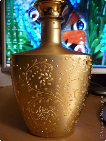 Золотистая бутылочка фото 2