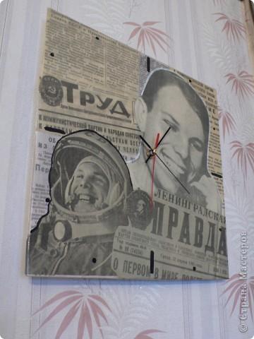 Часы ко Дню космонавтики фото 1