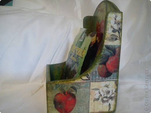 Привет Страна!!!! Мои новые декупажики. Солонка (муж пилил)   Все очень просто-салфетка и немного по бокам прочпокала краской, лак.. Внутри деревянная. фото 8
