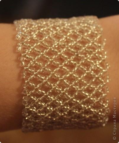 Спасибо, Дашка, твой браслет http://stranamasterov.ru/node/320083  вдохновил меня! Выполнялся сеткой. Схема http://biser.info/node/184999 фото 4