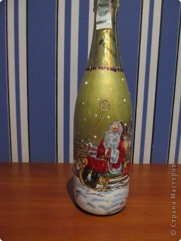И еще немного новогодних бутылок. фото 1
