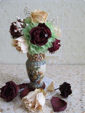 Засушила розы и вот решила сделать такой топиарчик. фото 1