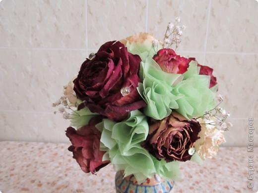 Засушила розы и вот решила сделать такой топиарчик. фото 3