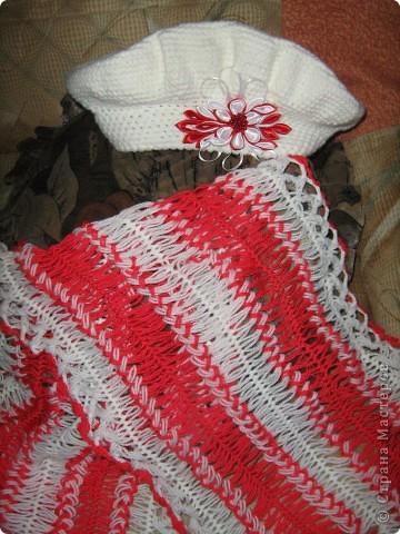 Снова обновила гардероб дочки — связала кепочку и шарфик (на вилке). Алишка позировать не захотела, поэтому модель — чудо-зверь из детства моего мужа.  фото 2
