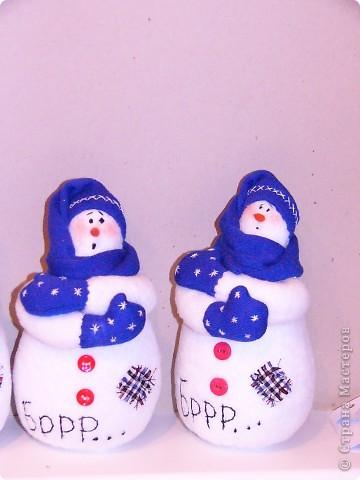К прошлому Новому году пошились вот такие снеговички. фото 3