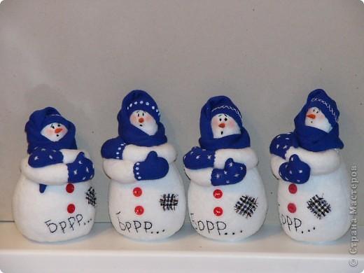 К прошлому Новому году пошились вот такие снеговички. фото 4