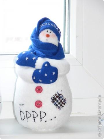 К прошлому Новому году пошились вот такие снеговички. фото 1