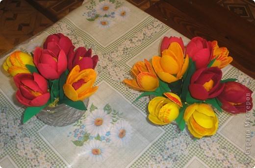 Тюльпаны сделали к 9 мая!Девочки были в восторге от этой поделки.Сделали очень много,сделали бы ещё.да ложки закончились. фото 7