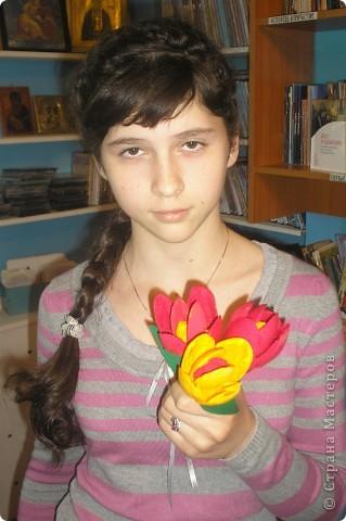 Тюльпаны сделали к 9 мая!Девочки были в восторге от этой поделки.Сделали очень много,сделали бы ещё.да ложки закончились. фото 4