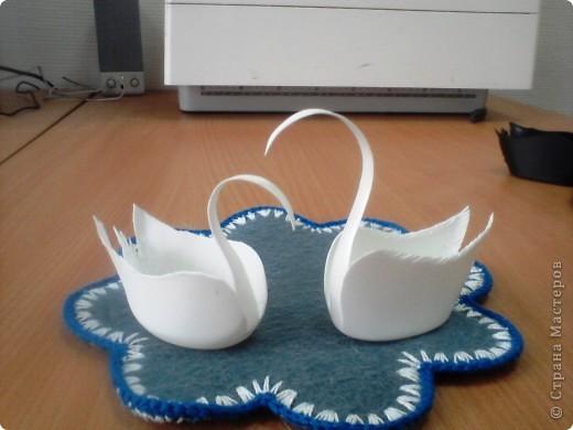 лебеди из пластиковой бутылочки из под белизны  фото 2