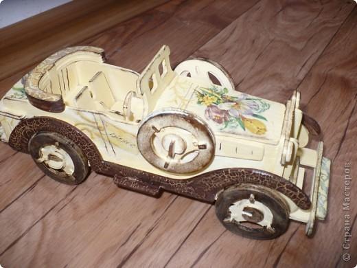 У меня появился автомобильчик!!! Правда, пока на моем столе, ретро, но мне нравится, надеюсь мечта на него взглянет, и быстрее воплотится в жизнь! фото 1