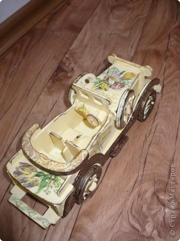 У меня появился автомобильчик!!! Правда, пока на моем столе, ретро, но мне нравится, надеюсь мечта на него взглянет, и быстрее воплотится в жизнь! фото 3