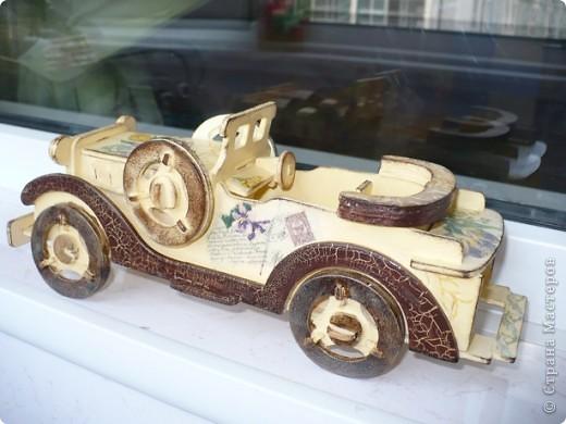 У меня появился автомобильчик!!! Правда, пока на моем столе, ретро, но мне нравится, надеюсь мечта на него взглянет, и быстрее воплотится в жизнь! фото 4