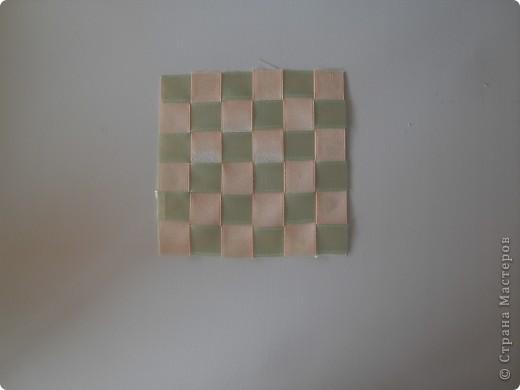 Самая простая салфетка из лент)) Это мой первый мк! Материалы: 1. Ленты 2. Клей (у меня плиточный) 3. Ножницы фото 6