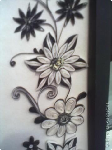 Очень понравилась работа Натальи-К  http://stranamasterov.ru/node/211819 . Сделала рамку из бумаги для пастели, но  получилась маленькой, вот и тесновато для цветов стало. Фон делала сухой пастелью. фото 3
