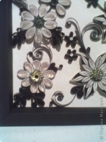 Очень понравилась работа Натальи-К  http://stranamasterov.ru/node/211819 . Сделала рамку из бумаги для пастели, но  получилась маленькой, вот и тесновато для цветов стало. Фон делала сухой пастелью. фото 2