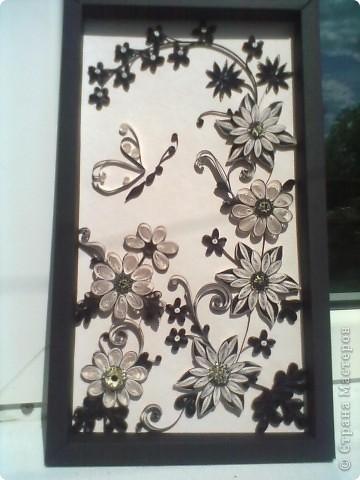 Очень понравилась работа Натальи-К  http://stranamasterov.ru/node/211819 . Сделала рамку из бумаги для пастели, но  получилась маленькой, вот и тесновато для цветов стало. Фон делала сухой пастелью. фото 1