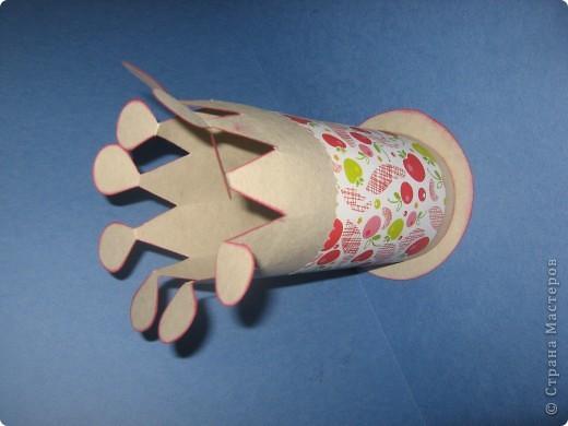 Комплект для поздравления с Днём рождения маленькой девочке. Другой детской бумажки никакой не оказалось, поэтому взяла такую с яблочками и вишенками. фото 4