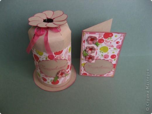 Комплект для поздравления с Днём рождения маленькой девочке. Другой детской бумажки никакой не оказалось, поэтому взяла такую с яблочками и вишенками. фото 6