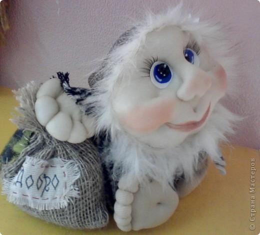 Высотой кукла около 25 см фото 3