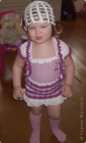 Платье для моей доченьки Софьи, вязала нитками Нарцисс(очень их люблю) ушло 2 мотка, крючок 2,5 фото 4