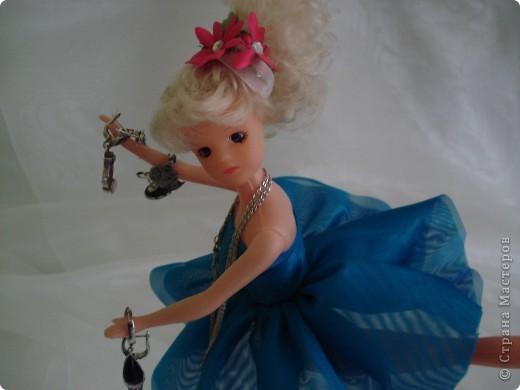 Здравствуйте, дорогие мастерицы!  Захотелось мне сделать держатель для бижутерии. Очень меня вдохновил манекен из Барби. http://stranamasterov.ru/node/353272?c=favorite фото 6