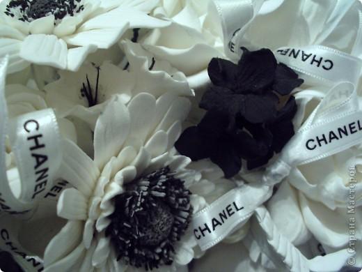 Традиции черно-белого цвета, или в стиле Коко Шанель... фото 1
