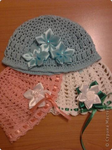 Летние шапочки с цветочками Канзаши фото 1