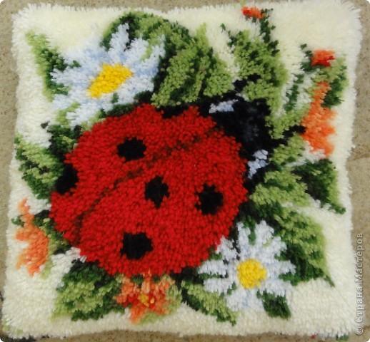 подушечка в ковровой технике, замечательный набор VERVACO