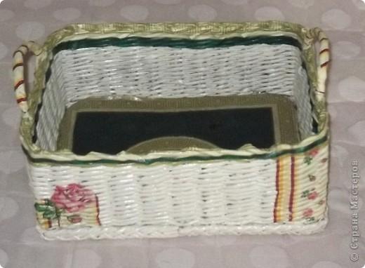 Сплела вот такую корзину для мамочки! Она ее использует для клубочков, из которых вяжет. фото 1