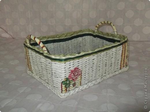 Сплела вот такую корзину для мамочки! Она ее использует для клубочков, из которых вяжет. фото 2