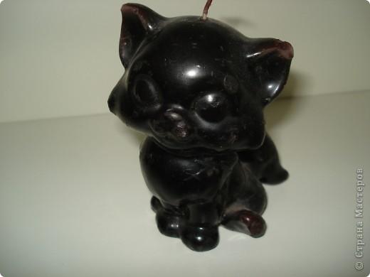 Дорогие мастерицы! Обещала я показать свою коллекцию кошек.  Начало ей положила вот эта фигурка, подаренная мне на д.р. 18 лет назад. Ее размер 2,5 см. фото 19
