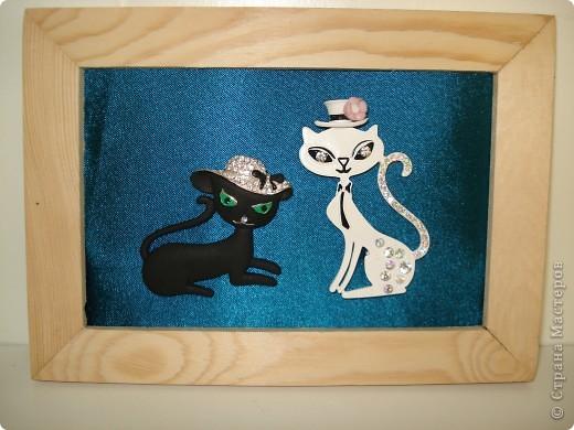 Дорогие мастерицы! Обещала я показать свою коллекцию кошек.  Начало ей положила вот эта фигурка, подаренная мне на д.р. 18 лет назад. Ее размер 2,5 см. фото 32