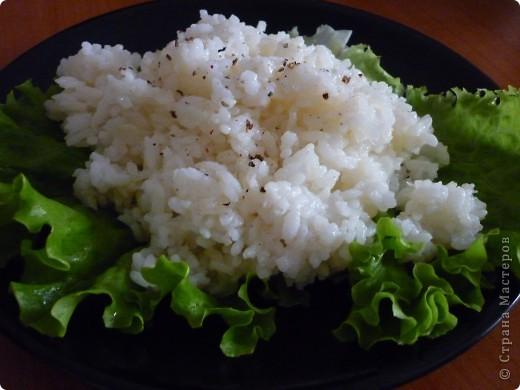 Такой рис для гарнира готовят в Болгарии. Он очень отличается от риса отварного.Прелесть рецепта состоит в том ,что рис не подгорает и не убегает))) Получается нежный,рассыпчатый и не сухой. Попробуйте,может этот вариант приготовления риса заинтересует не только меня. фото 1