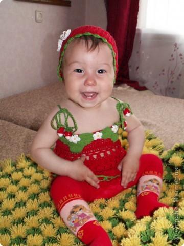 Платье клубничка для дочки