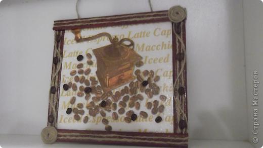 Вот такие панно сделала подругам на 8 марта.Спасибо Ольге73 за идею рамок из бумажных трубочек и  использование потолочной плитки для декупажа. фото 2