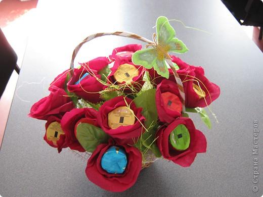 Очень люблю полевые цветы. А если добавить конфет, получится неплохой подарок на день рождения. фото 3