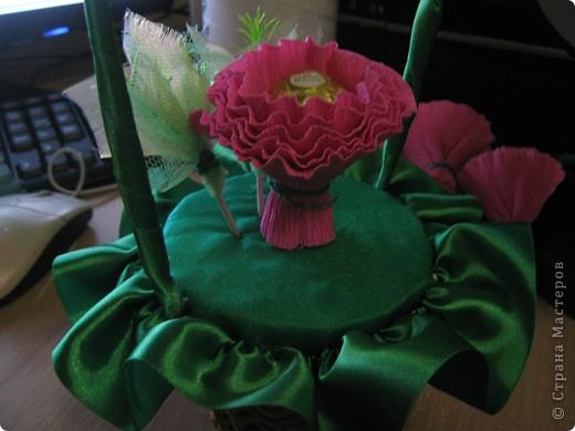 Очень люблю полевые цветы. А если добавить конфет, получится неплохой подарок на день рождения. фото 8